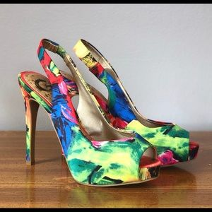 Super Sexy GUESS colorful slingback platform heels
